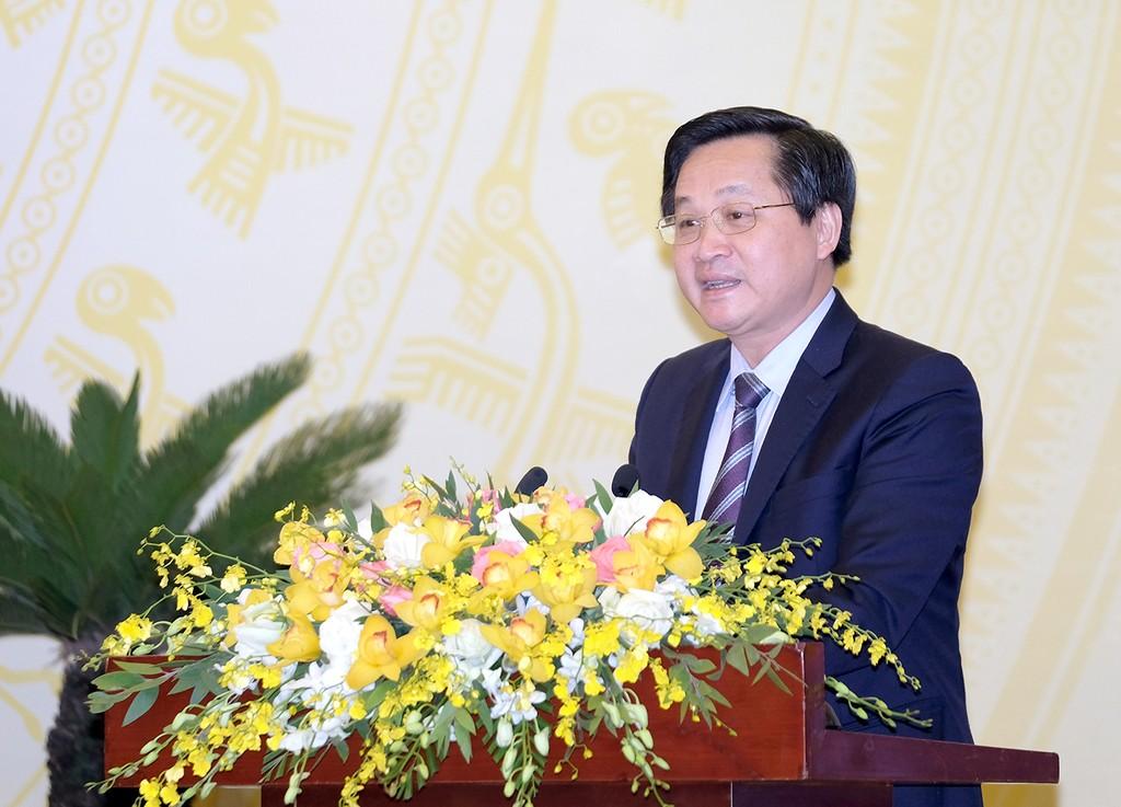 Tổng Thanh tra Chính phủ Lê Minh Khái báo cáo tại Hội nghị Chính phủ với các địa phương. Ảnh: VGP