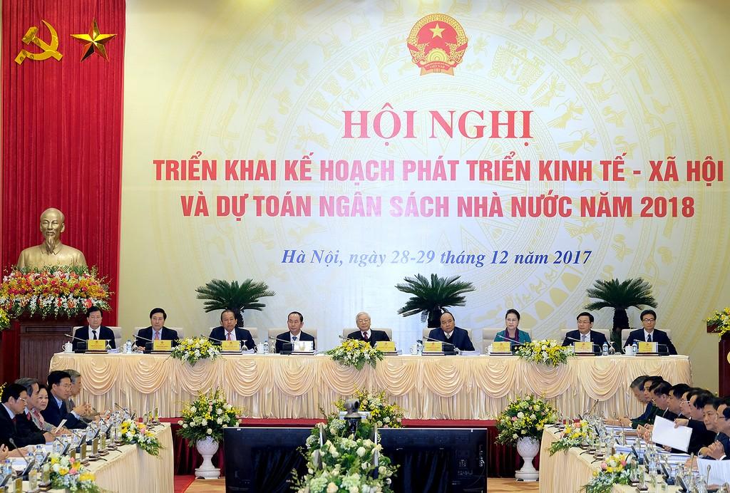Các đồng chí lãnh đạo Đảng, Nhà nước, Chính phủ tại phiên họp. Ảnh: VGP