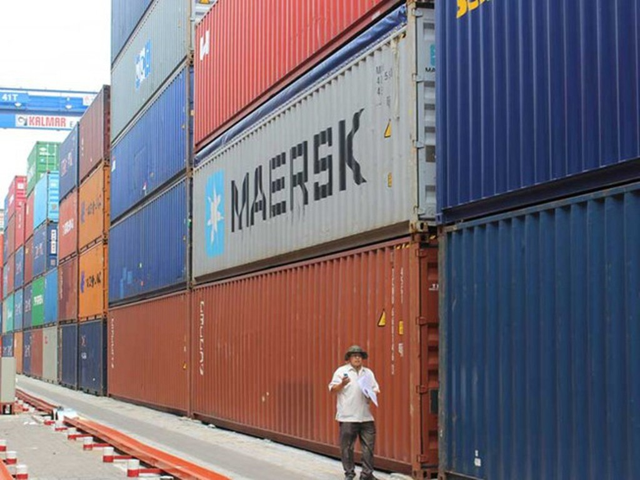 Trong quá trình điều tra số container mất tích bí ẩn, hải quan và công an còn bắt thêm được hơn 100 container có ý định tẩu tán. Ảnh minh họa/Dân trí.