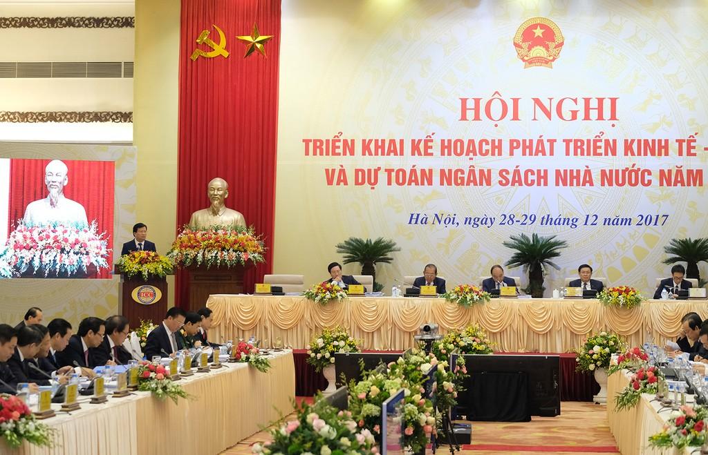 Phó Thủ tướng Trịnh Đình Dũng: Chủ động rà soát từng sản phẩm để bảo đảm tăng trưởng - ảnh 1