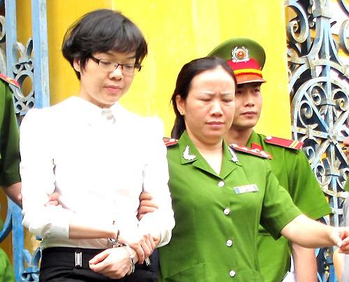 Huyền Như tiếp tục bị truy tố về tội Lừa đảo chiếm đoạt tài sản. Ảnh: Hải Duyên.