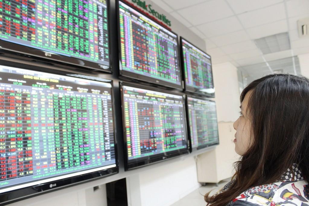 Theo NFSC, giá trị vốn hóa thị trường cổ phiếu xấp xỉ 70,2% GDP năm 2017. Ảnh: Tường Lâm