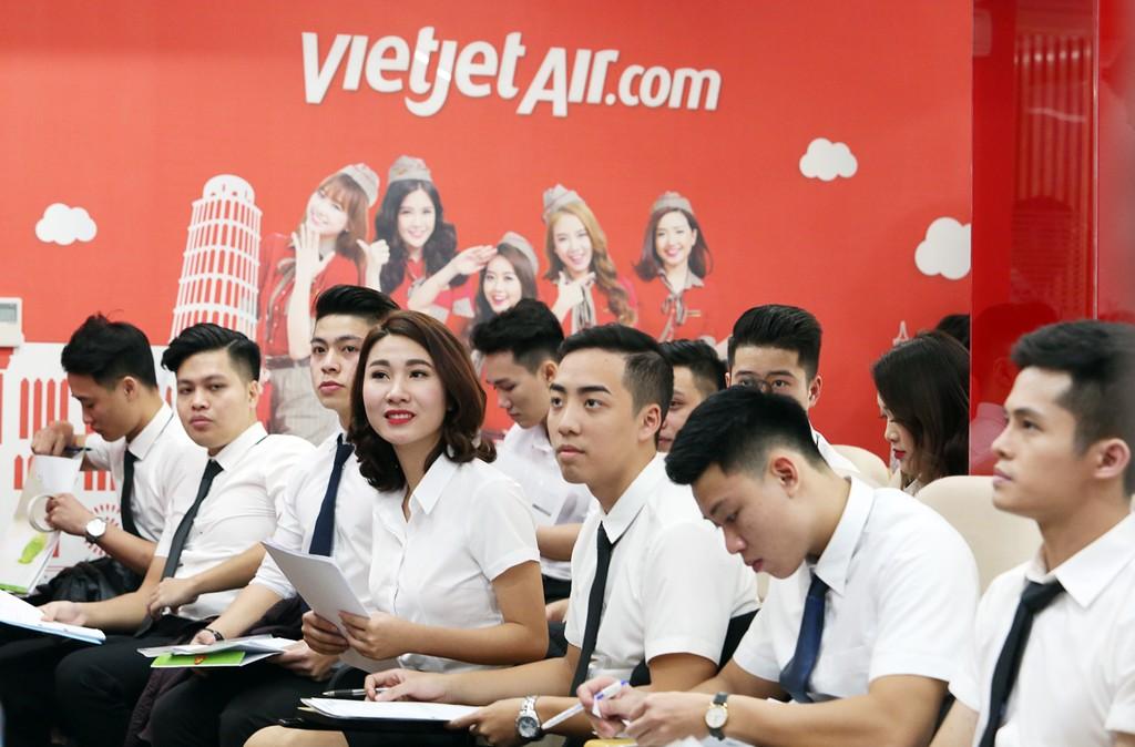 Vietjet tuyển dụng tiếp viên tại Hà Nội và TP.HCM