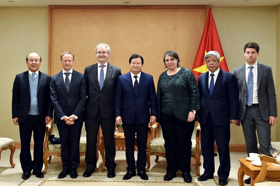 Việt Nam khuyến khích EIB hỗ trợ nguồn lực phát triển cơ sở hạ tầng - ảnh 1