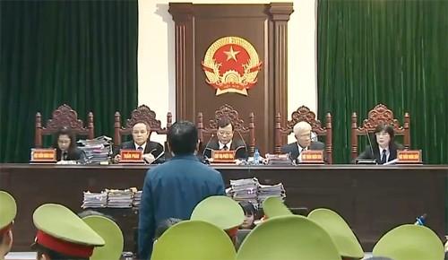 Ông Đinh La Thăng xin nhận trách nhiệm thay cấp dưới - ảnh 1