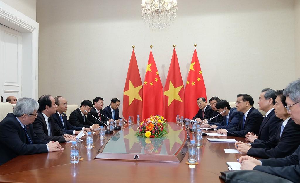 Thủ tướng Nguyễn Xuân Phúc gặp Thủ tướng Trung Quốc Lý Khắc Cường - ảnh 1