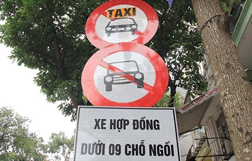 Hà Nội cấm đường Uber, Grab như taxi truyền thống - ảnh 1