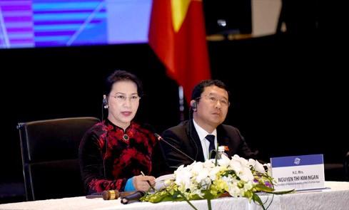 Chủ tịch Quốc hội Nguyễn Thị Kim Ngân điều hành Phiên họp Ban Chấp hành APPF-26