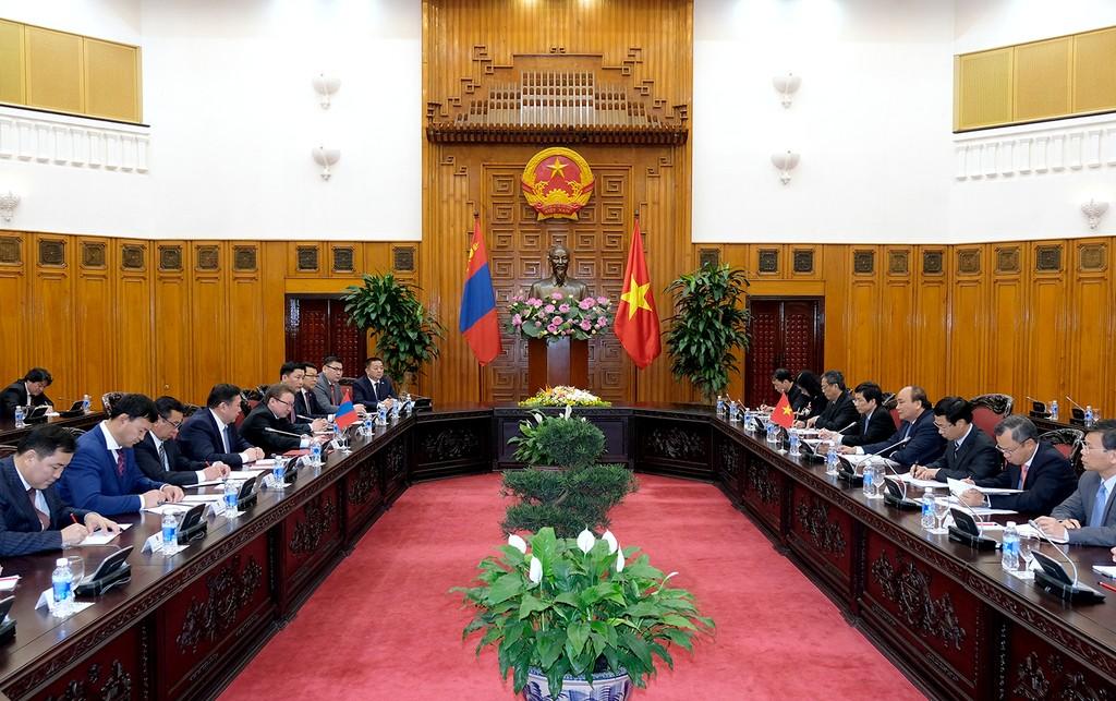 Thủ tướng Nguyễn Xuân Phúc tiếp Chủ tịch Quốc hội Mông Cổ - ảnh 1