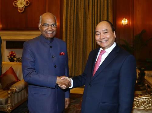 Thủ tướng Nguyễn Xuân Phúc hội kiến Tổng thống Ấn Độ Ram Nath Kovind. Ảnh: VGP