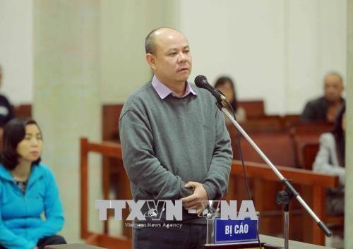 Chùm ảnh: Phiên tòa xét xử vụ án tham ô tài sản tại PVP Land sáng 25/1 - ảnh 1