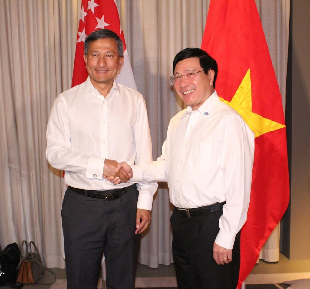 Phó Thủ tướng Phạm Bình Minh gặp song phương các Bộ trưởng Ngoại giao - ảnh 1