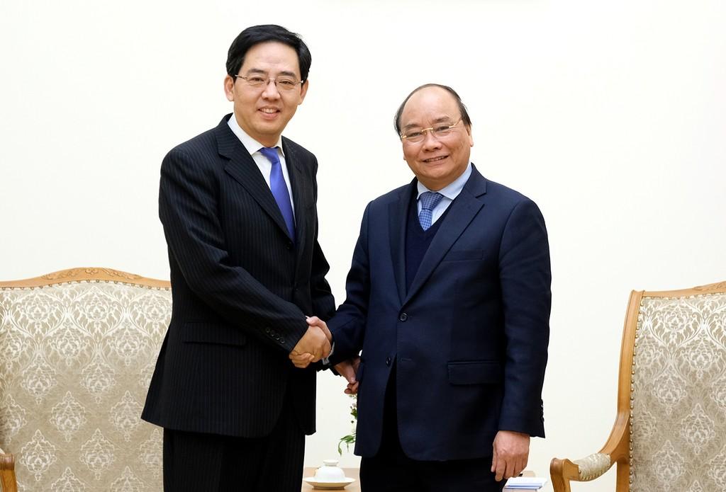 Thủ tướng Nguyễn Xuân Phúc tiếp Đại sứ Trung Quốc Hồng Tiểu Dũng. Ảnh: VGP