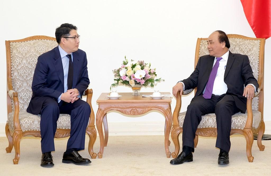 Thủ tướng Nguyễn Xuân Phúc và Chủ tịch Tập đoàn Hyosung Cho Hyun Joon - Ảnh: VGP