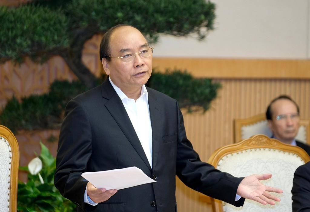 """Theo Thủ tướng Nguyễn Xuân Phúc, bức tranh kinh tế-xã hội tháng 2 và 2 tháng đầu năm """"khá sáng, tích cực, toàn diện trên các lĩnh vực"""", tuy nhiên không được chủ quan, lơ là khi độ mở của nền kinh tế khá lớn. Ảnh: VGP"""