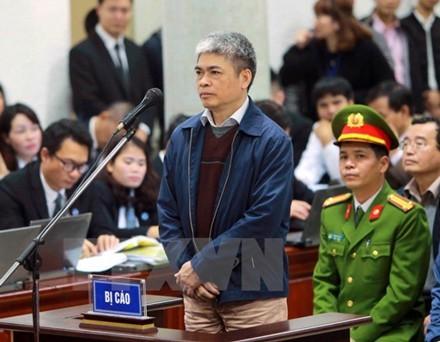 Xét xử vụ PVN góp 800 tỉ đồng vào Ngân hàng Oceanbank: Ông Đinh La Thăng mời 5 luật sư bào chữa - ảnh 1