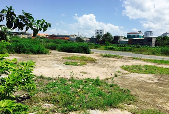 Khu đất xây dựng dự án Trung tâm thương mại Thái Dương hiện đang là bãi (Nguồn ảnh: Báo Bà Rịa - Vũng Tàu)