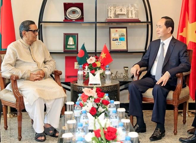 Chủ tịch nước Trần Đại Quang tiếp Chủ tịch Đảng Công nhân Bangladesh Rashed Khan Menon. Ảnh: TTXVN