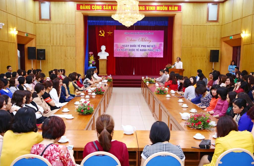 Thứ trưởng Bộ KH&ĐT Nguyễn Văn Trung phát biểu tại buổi lễ. Ảnh: Lê TIên