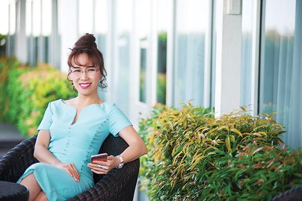 Những nữ tướng quyền lực trên sàn chứng khoán Việt - ảnh 4