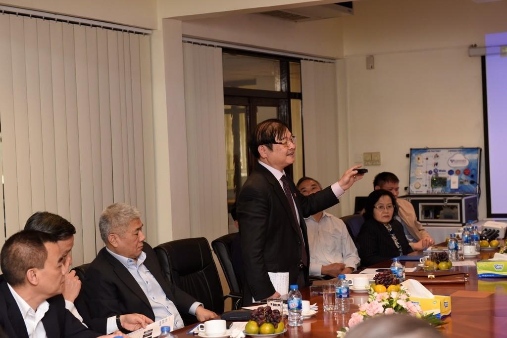 Ông Phan Xuân Dũng – Chủ nhiệm Ủy ban KHCN&MT Quốc hội, phát biểu trong buổi làm việc với VNPT Technology