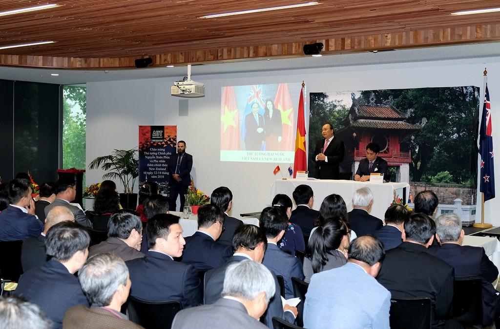 Thủ tướng thăm Đại học AUT và gặp gỡ kiều bào tại New Zealand - ảnh 2