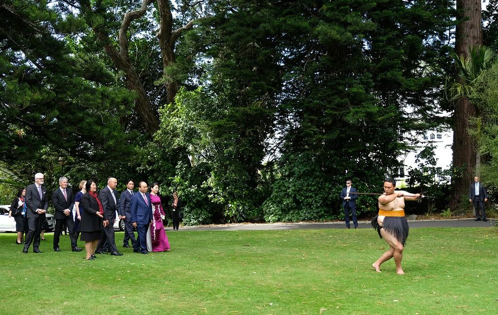 Lễ đón chính thức Thủ tướng Nguyễn Xuân Phúc tại New Zealand - ảnh 2