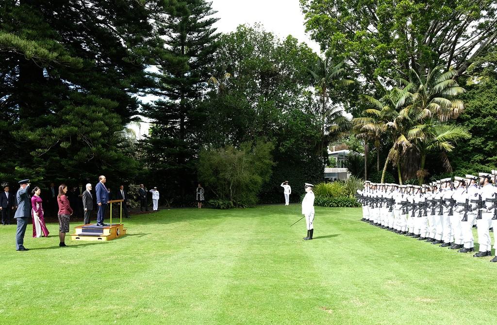Lễ đón chính thức Thủ tướng Nguyễn Xuân Phúc tại New Zealand - ảnh 4
