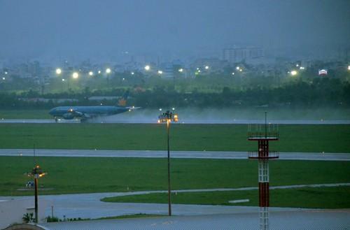 Sân bay Tân Sơn Nhất bị ngập sau trận mưa lớn hồi tháng 9/2016.