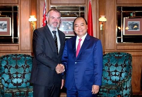 Thủ tướng Nguyễn Xuân Phúc hội kiến với Chủ tịch Quốc hội New Zealand Trevor Mallard - Ảnh: VGP