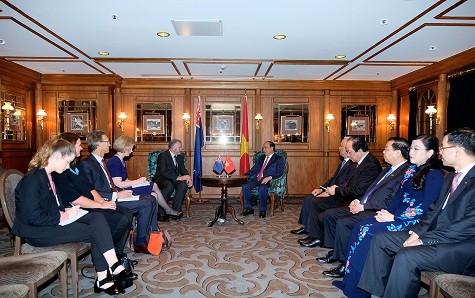 Thủ tướng Nguyễn Xuân Phúc hội kiến với Chủ tịch Quốc hội New Zealand - ảnh 1