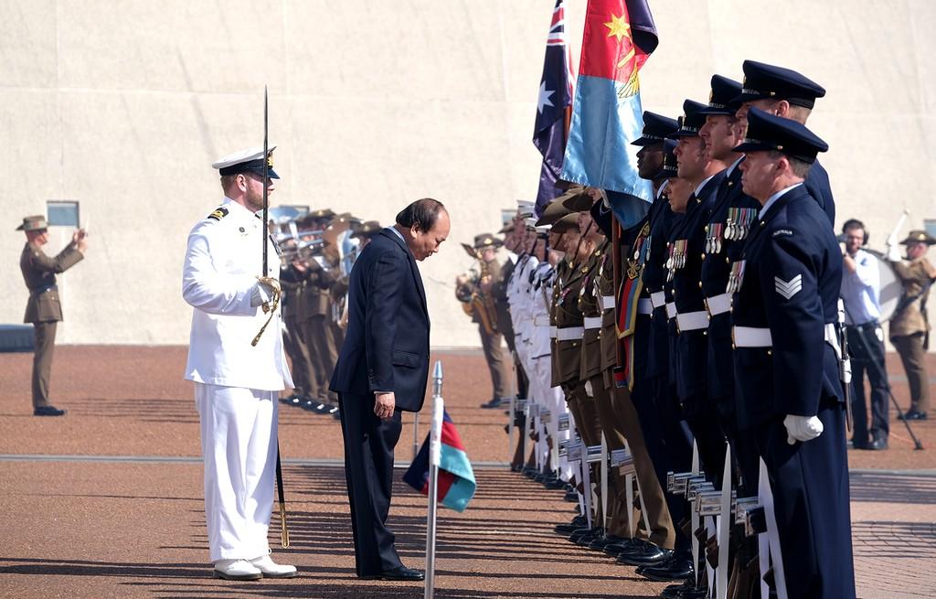 Lễ đón trọng thể Thủ tướng Nguyễn Xuân Phúc tại Australia - ảnh 3