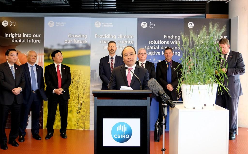 Thủ tướng Nguyễn Xuân Phúc phát biểu tại buổi thăm CSIRO. Ảnh: VGP