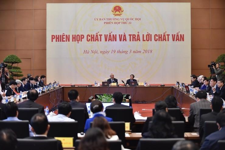 Bộ trưởng Bộ Tư pháp Lê Thành Long trả lời chất vấn - ảnh 3
