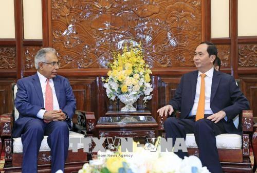Chủ tịch nước Trần Đại Quang và Đại sứ Saudi Arabia tại Việt Nam Dakhil Alliah Raija Al Johani. Ảnh: TTXVN
