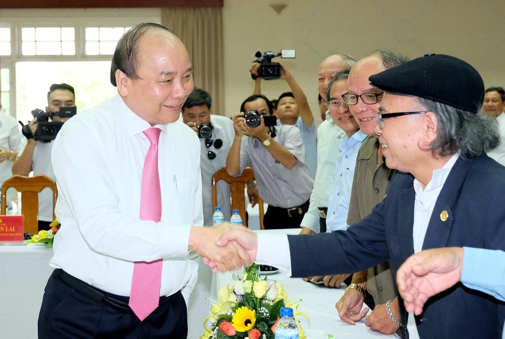 Thủ tướng gặp mặt cán bộ lãnh đạo, nguyên lãnh đạo tỉnh Quảng Nam qua các thời kỳ. Ảnh: VGP