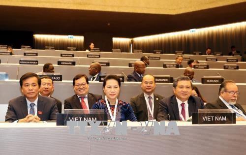 Chủ tịch Quốc hội Nguyễn Thị Kim Ngân dẫn đầu Đoàn đại biểu cấp cao Quốc hội Việt Nam tham dự Phiên họp toàn thể Đại hội đồng IPU-138. Ảnh TTXVN