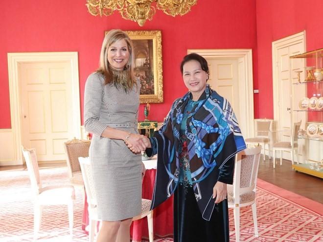 Chủ tịch Quốc hội Nguyễn Thị Kim Ngân và Hoàng hậu Hà Lan Máxima Zorreguieta Cerruti. Ảnh: TTXVN