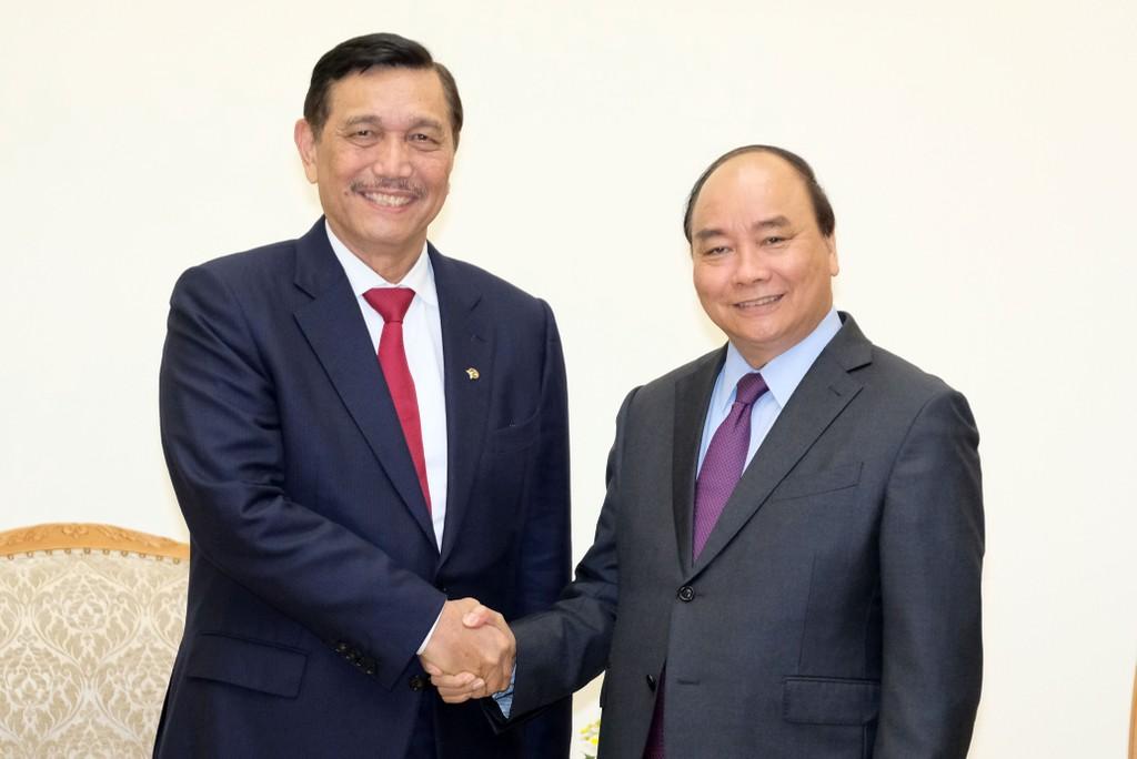 Thủ tướng Nguyễn Xuân Phúc và Bộ trưởng Điều phối biển Indonesia Luhut Binsar Pandjaitan. Ảnh: VGP