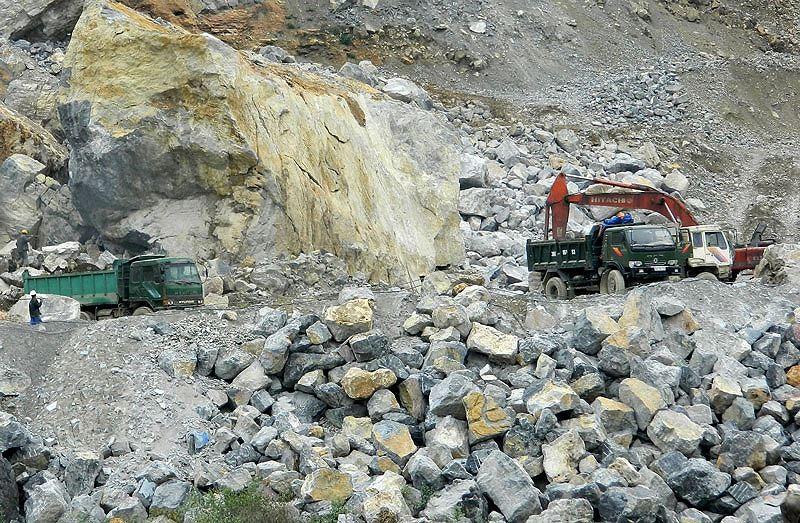 Công ty CP Đá Núi Nhỏ đang khai thác đá tại 2 mỏ là Núi Nhỏ (Bình Dương) và Tân Lập (Bình Phước). Ảnh: CMI
