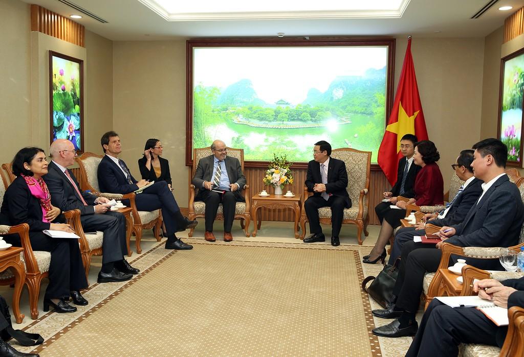 IMF đánh giá kinh tế vĩ mô Việt Nam khả quan trong năm 2018 - ảnh 1