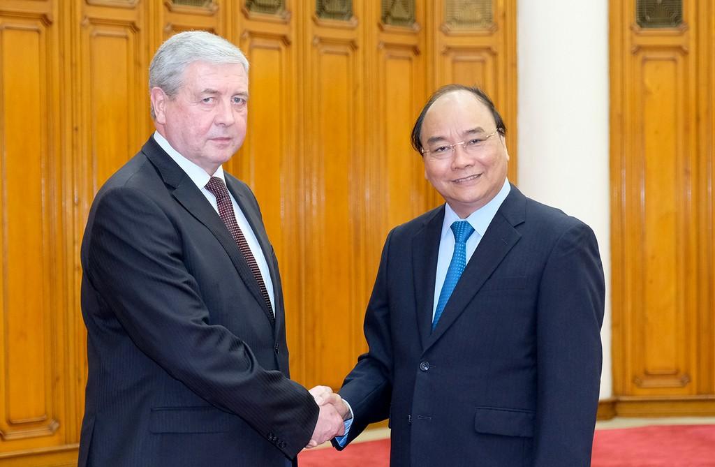 Thủ tướng Nguyễn Xuân Phúc tiếp Phó Thủ tướng Belarus Vladimir Semashko. Ảnh: VGP