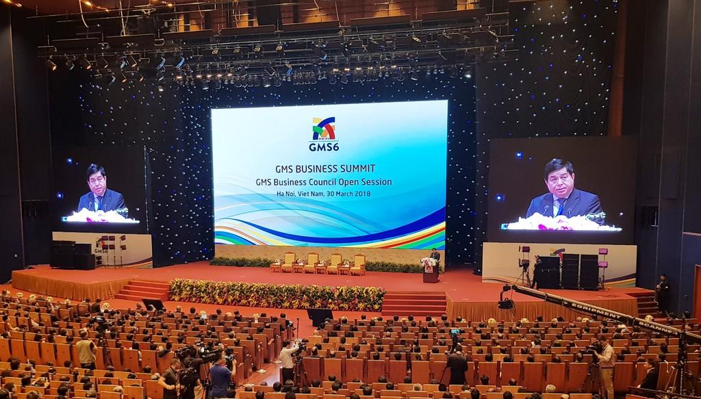 Bộ trưởng Bộ Kế hoạch và Đầu tư Nguyễn Chí Dũng phát biểu trong phiên khai mạc Diễn đàn Thượng đỉnh kinh doanh GMS. Ảnh: Cao Dung