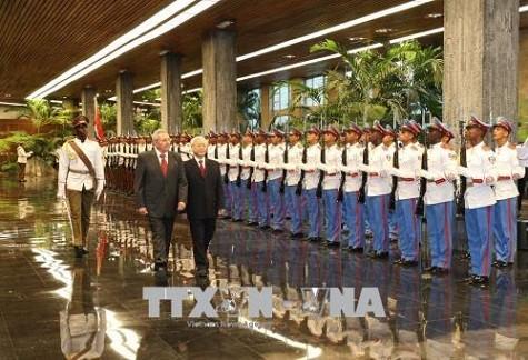 Tổng Bí thư Nguyễn Phú Trọng hội đàm với Chủ tịch Cuba Raul Castro - ảnh 1