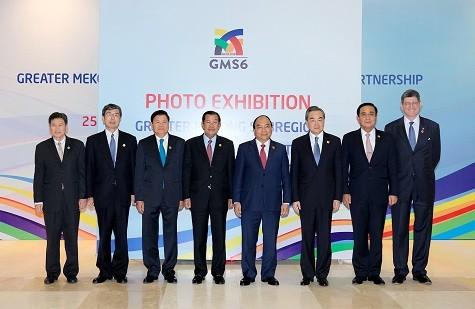 Thủ tướng dự khai mạc Triển lãm ảnh 25 năm hợp tác GMS - ảnh 1