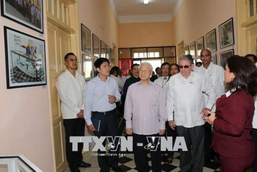 Tổng Bí thư Nguyễn Phú Trọng và Chủ tịch Cuba thăm TP. Santiago De Cuba - ảnh 2