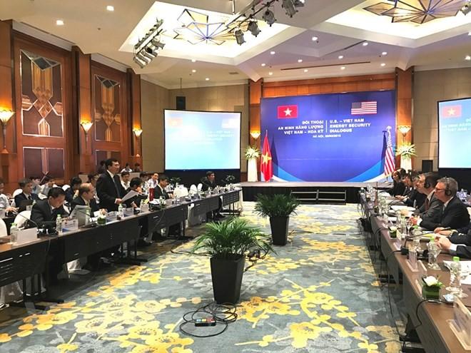 Thứ trưởng Hoàng Quốc Vượng nói về hợp tác năng lượng với Hoa Kỳ. Ảnh: Vietnam+
