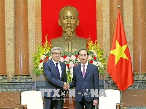 Chủ tịch nước Trần Đại Quang và Thư ký Hội đồng An ninh quốc gia Mông Cổ Amarjargal Gansukh
