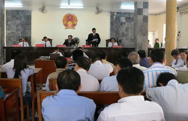 Sau gần một tháng xét xử, ngày 4/4, Tòa án nhân dân tỉnh An Giang đã tuyên án sơ thẩm đối với 27 bị cáo trong vụ án mua bán khống hóa đơn thuế giá trị gia tăng, gây thiệt hại cho nhà nước trên 35 tỉ đồng.