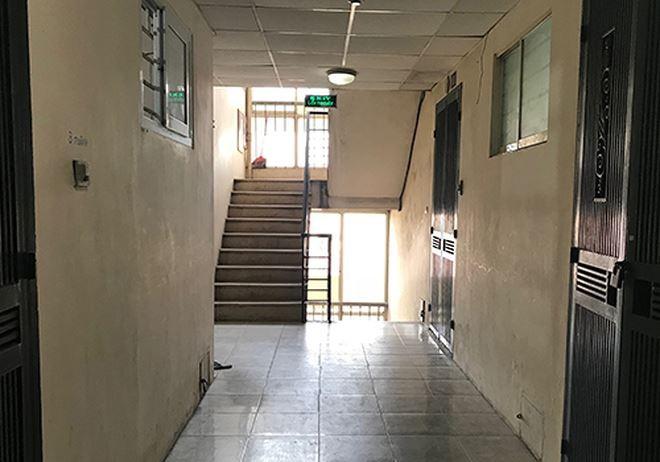 Một số chung cư Hà Nội vi phạm tiêu chuẩn phòng cháy như cầu thang thoát hiểm thông với hành lang.
